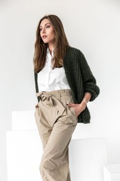 Be aware of newest knitwear fashion this autumn and winter. Knitwear Fashion, Knit Fashion, Fashion Fashion, Womens Fashion, Fashion Trends, Winter Fashion, Olive Green Sweater, Green Cardigan, Sweater Outfits