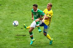 Wes Hoolahan of Republic of Ireland controls the ball under pressure of Oscar Lewicki of Sweden during the UEFA EURO 2016 Group E match between Republic of Ireland and Sweden at Stade de France on June 13, 2016 in Paris, France.