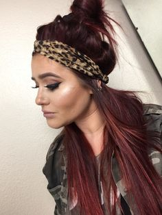 Feb 2017 - This makeup look is a simple glam smokey wing inspired by  Chelsea DeBoer from my favorite guilty pleasure show Teen Mom  I have to come clean- I am addicted to this show.  Back in college when … Pigtail Hairstyles, Headband Hairstyles, Pretty Hairstyles, Wedding Hairstyles, Beach Hairstyles, Hairstyle Men, Make Up Looks, Hair Scarf Styles, Long Hair Styles