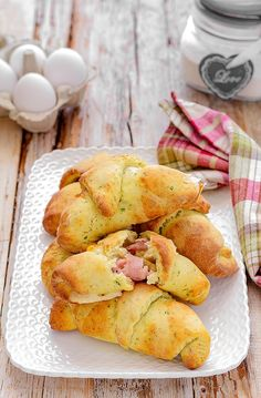 Good Food, Yummy Food, Best Italian Recipes, Most Delicious Recipe, Snack Recipes, Snacks, Recipe Boards, Croissant, Food Styling