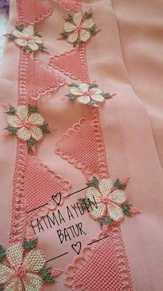 This Pin was discovered by Kad Hand Embroidery Dress, Embroidery Stitches, Embroidery Patterns, Lace Flowers, Crochet Flowers, Hand Work Design, Thread Art, Point Lace, Afghan Patterns