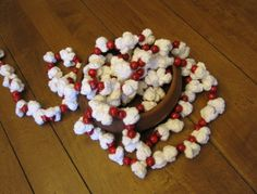 Crocheted Popcorn and Wood Cranberry Garland | Crochet / Christmas | Make It Mulberry