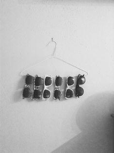 DIY vintage hanger with glasses #hipster #DIY #EasyRoomDecor