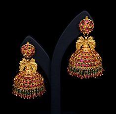 Kerala Jewellery, Indian Jewellery Design, Temple Jewellery, Indian Jewelry, Jewelry Design, Latest Jewellery, Handmade Jewellery, Gold Jhumka Earrings, Gold Earrings Designs