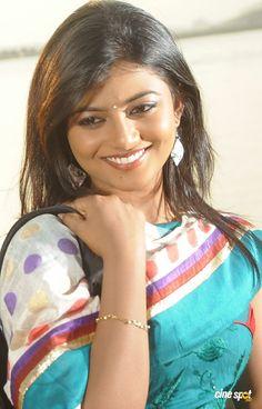 Beautiful Girl Indian, Beautiful Indian Actress, Stylish Girl Images, Saree Styles, Girls Image, India Beauty, Woman Face, Indian Actresses, Beauty Women
