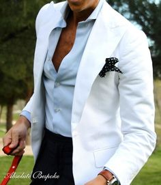 To get this look and build your wardrobe professionally, contact me at b.lawrenson@tomjameseurope.com. www.tomjames.com