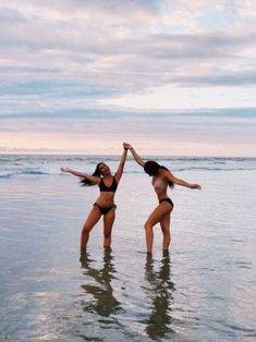 Kendall Jenner shows off her figure in a racy black swimsuit in Cannes Cat Bikinis Black Cannes Cat figure jenner Kendall racy shows Swimsuit Foto Best Friend, Best Friend Photos, Cute Beach Pictures, Cute Friend Pictures, Beach Picture Poses, Beach Foto, Fun Photo, Photos Bff, Bff Pics