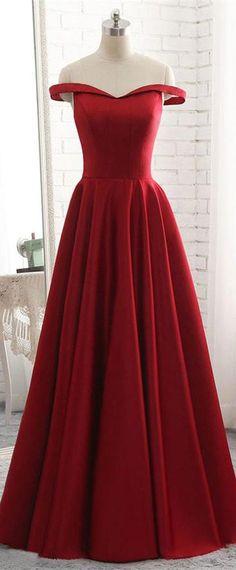 Robe mi longue en soie rouge framboise, idéale pour mariage