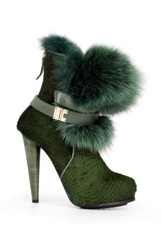 Love these Burak Uyan boots for fashionable winter attire. -- Grace Ormonde Wedding Style
