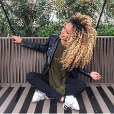 I need her hair too 😍 Long Curly Hair, Curly Girl, Big Hair, Curly Hair Styles, Natural Hair Styles, Blonde Curly Hair Natural, Blonde Curls, Hair Inspo, Hair Inspiration