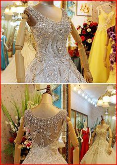 YZ New Arrival Ball Gown V-neck Short Sleeve Luxury Crystal  Wedding Dress  - Thumbnail 3