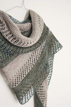Beginner Lace Knitting Pattern. To learn lace knitting, go to http://knitfreedom.com/classes/lace-knitting. (c) Janina Kallio