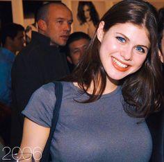 Alexandra Daddario Bio, Age, Affairs & Movies - Famous World Stars Hollywood Actresses, Actors & Actresses, Alexandra Daddario, Gal Gadot, Beautiful Women, Beautiful Friend, Beautiful Eyes, Girl Crushes, American Actress