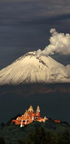 """travelgurus: """" Popocatepetl Volcano, Puebla, Mexico The name Popocatépetl comes from the Nahuatl words , meaning Smoking Mountain. The volcano is also referred to by Mexicans as El Popo. Places Around The World, Travel Around The World, Around The Worlds, Places To Travel, Places To See, Wonderful Places, Beautiful Places, Monte Fuji, Belle Villa"""