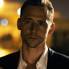 Tom hiddleston was amazing as loki, i bet he'd make a fantastic james bond Tom Hiddleston Loki, Thomas William Hiddleston, Tom Hiddleston Night Manager, Beau Gif, Sebastian Stan, Tom Holland, Westminster, Belle Photo, Celebrity Crush