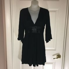 LUCY LOVE M WOMEN TOP TUNIC SHIRT BLACK FAUX WOVEN BELT LOW V OPEN BELL SLEEVE #LucyLove #Tunic Tunic Shirt, Tunic Tops, Ebay Dresses, Woven Belt, V Cuts, Cute Tops, Cap Sleeves, Shoulder, Shirts