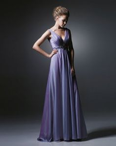 love the cut of this dress, ill take it in white please :)