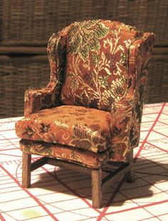 Magpie Shinies: Tutorial: Optimizing Miniature Upholstery Using Fusible Web