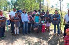 - Hizo entrega a los habitantes de las comunidades de Adjuntas de Ahuacatlán, La Sierrita y El Gallo Pinal de...