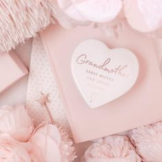 Cardboard Box Crafts, Cardboard Castle, Aesthetic Makeup, Pink Aesthetic, Golden Life, Profile Picture For Girls, Losing A Loved One, Cute Candy, Princess Castle