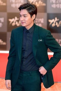 LeeMinHo at Red Carpet and Show Case of Gangnam1970 in Incheon bt in this pic he look little bit chubby bt still he is cute