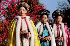 Legend of Concubine Zhen Huan 后宫甄嬛传 Oriental Fashion, Asian Fashion, Oriental Style, Chinese Clothing Traditional, Empresses In The Palace, Peach Blossoms, Ancient China, Qing Dynasty, Hanfu