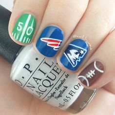 I love this New England Patriots nail art from Nails By Jema because it features a little 50 yard line and tiny football! The hand painted Patriots mascot is also awesome, such clean detail! Football Nail Designs, Football Nail Art, Football Team, Patriots Football, Football Stuff, Football Season, Love Nails, Pretty Nails, Seahawks Nails