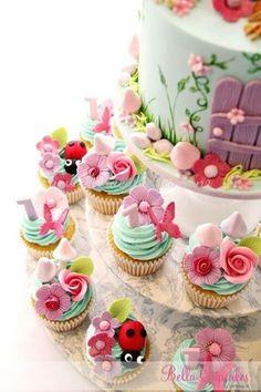 Imagem: http://www.flickr.com/photos/bellacupcakes/8174205533/