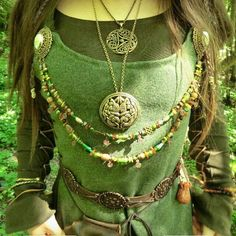 Vikingbling: Celtic medieval jewelry.