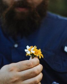 you're a world of flowers along these endless roads... [thanks for modeling @green_neck!]