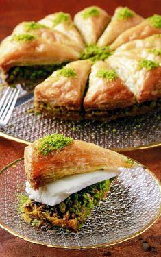 Turkish Recipes, Indian Food Recipes, My Recipes, Dessert Recipes, Desserts, Arabic Dessert, Arabic Sweets, Turkish Baklava, Baklava Recipe