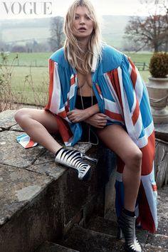 Kate-Moss-Vogue---for-online-2.jpg (1280×1920)
