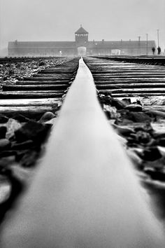 Impresionante fotografía de Auschwich #Historia #IIGM
