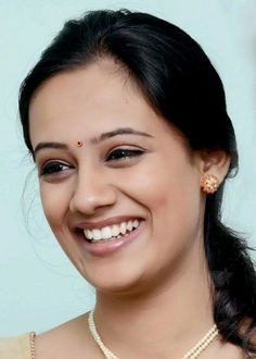 Spruha joshi Indian Wife, Indian Girls, Indian Bridal Outfits, Lovely Smile, Actor Photo, Stylish Girl Pic, India Beauty, Indian Actresses, Beauty Women