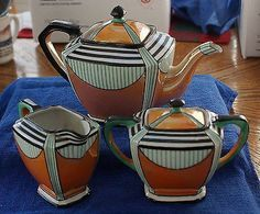 True ART DECO 1920s era NORITAKE 3-piece - Pot, Creamer & Sugar Bowl - Tea Set Offered is a hard to find real ART DECO 1920s era NORITAKE 3-piece - Pot, Creamer and Sugar Bowl - TEA SET. In the overa