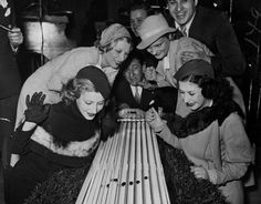 Cockroach racing. Cleveland, OH, 1938. Cleveland State University. Cleveland Memory.
