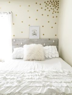 Gold Polka Dot Wall Confetti- easy way to add style to your space. These would look adorable in a nursery, bedroom, office, dorm room or anywhere you