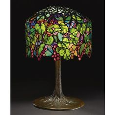 Rare grape table lamp by Tiffany Studios sold for $ 1,202,500 (over a  million bucks