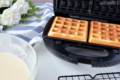 Waffle Iron, Waffles, Food And Drink, Kitchen Appliances, Breakfast, Recipes, Diy Kitchen Appliances, Morning Coffee, Home Appliances