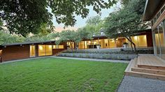 "cement siding mid cenury rancht | This Mid Century Modern North Dallas Ranch Really Puts the ""M ..."