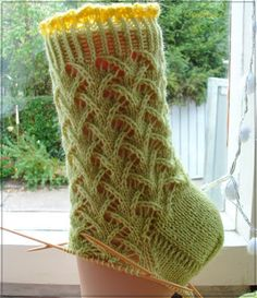 Knitting Patterns Socks Working title: 'Sirkka' Unfortunately, I do not know the name of the pattern. Seen at Sirkka Viitanen … Lace Knitting Patterns, Knitting Charts, Knitting Socks, Knitting Stitches, Hand Knitting, Lace Socks, Wool Socks, Patterned Socks, Knitting For Beginners