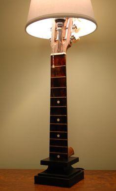 Chibson lamp - The Acoustic Guitar Forum - Neue Deko-Ideen Guitar Crafts, Guitar Diy, Guitar Room, Guitar Shelf, Music Furniture, Diy Furniture, Leather Furniture, Bedroom Furniture, Lampe Retro