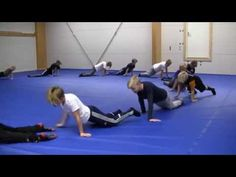 Paini-Ilves lämmitteyharjoite - YouTube Bootcamp Games, Yoga Games, Animal Yoga, Kindergarten Games, Mindfulness For Kids, Volleyball Drills, Chair Yoga, Exercise For Kids, Workout
