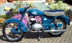 1959 Greeves Sport Twin Villiers two-stroke engine Classic Road Bike, Classic Bikes, Classic Cars, British Motorcycles, Vintage Motorcycles, Cars And Motorcycles, Vintage Bikes, Retro Vintage, Classic Motors