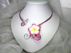 Collier Fil d'aluminium Vahiné, fleurs fimo