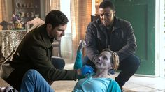 #Grim Nick, Hank and Wu race against the clock to find a Wesen that freezes to death in the cold while Juliette seeks revenge against Adalind. Grimm Tv Series, Grimm Tv Show, Grimm Season 4, David Giuntoli, Free Tv Shows, Fantasy Series, Drama Series, Episode 5, Science Fiction