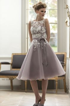 Illusion Lace Bodice V-back Layered Tulle Short Knee Length Bridesmaid Dress