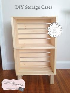 Ideas for wooden crate nightstand diy shelves Crate Nightstand, Diy Nightstand, Bookshelves Diy, Diy Storage, Crate Bookshelf, Bookcase Diy, Diy Wooden Crate, Wooden Crates Nightstand, Crate Shelves Diy