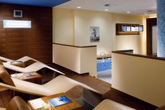Pure relaxation awaits you in our wellness area with sauna, steam bath and rest area.