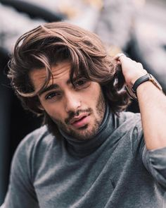 Formal Hairstyles For Long Hair, Classic Hairstyles, Portrait Photography Men, Photography Poses For Men, My Hairstyle, Attractive Men, Beard Styles, Facial Hair, Hair Goals